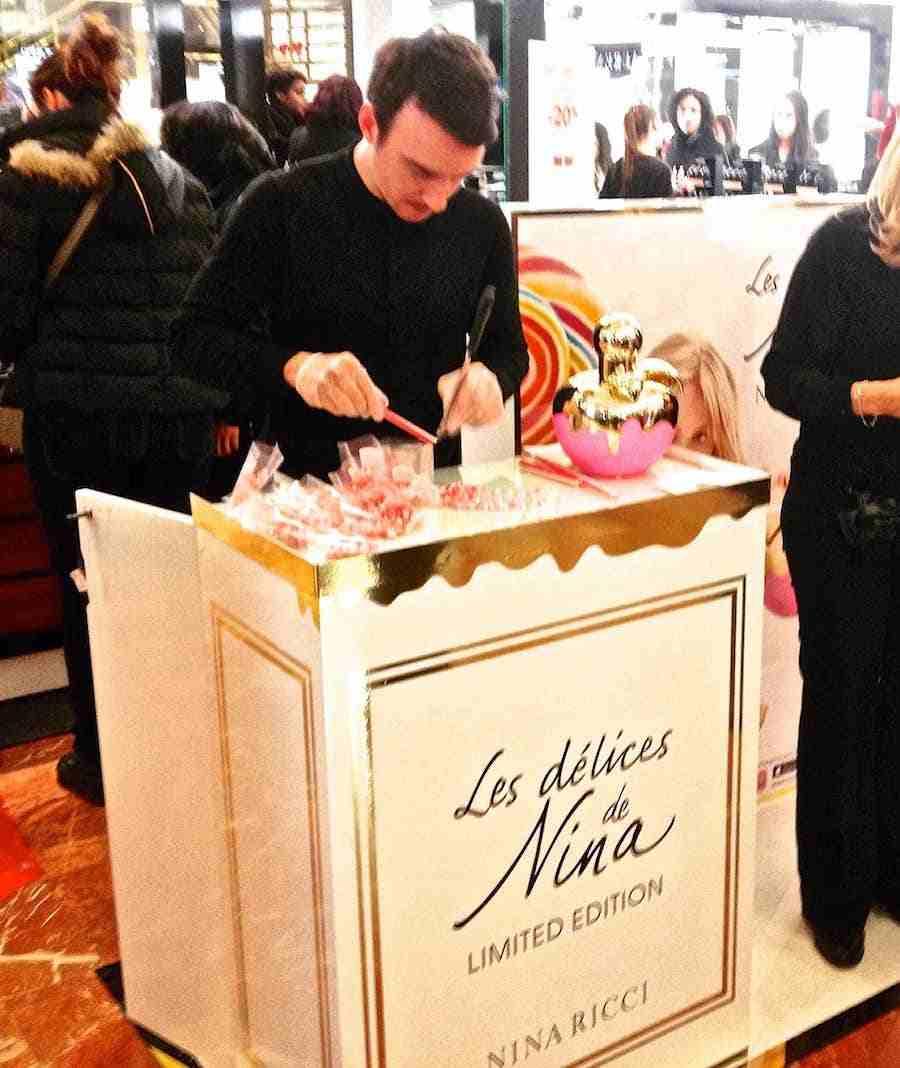 Animation découpe bonbons Nina Ricci